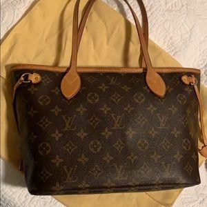 Louis Vuitton Medium Neverfull Bag